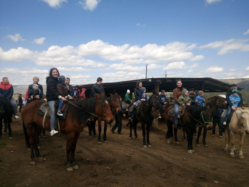В конно-спортивной школе ГУНН