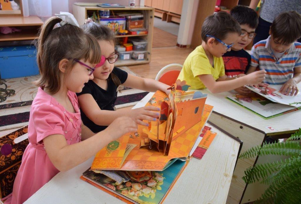 Объёмные книжки очень нравятся детям. Детский сад 46 Невинномысска